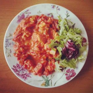 Indyk w sosie pomidorowym
