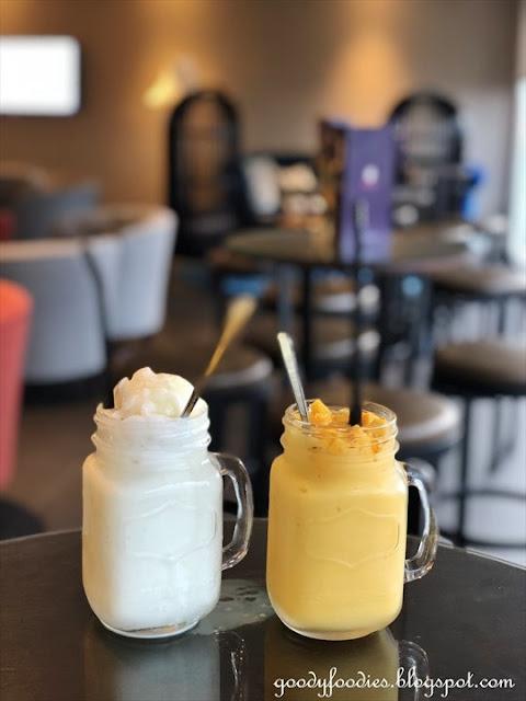 Makan Nyonya, Estadia Melaka - coconut shake
