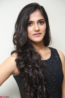 Simran Chowdary Model in Beautiful Black Dress at FBB Miss India 2017 finalists at Telangana auditions (18).JPG