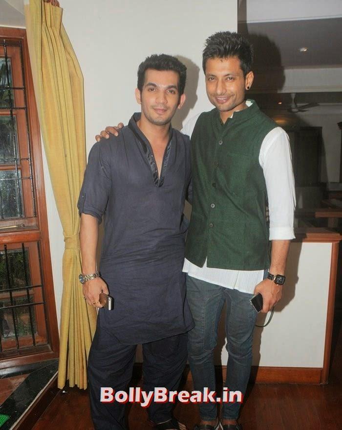 Arun Bijlani, Indraneil Sengupta, Hot Photos from Rowdy Bangalore Team of Box cricket League