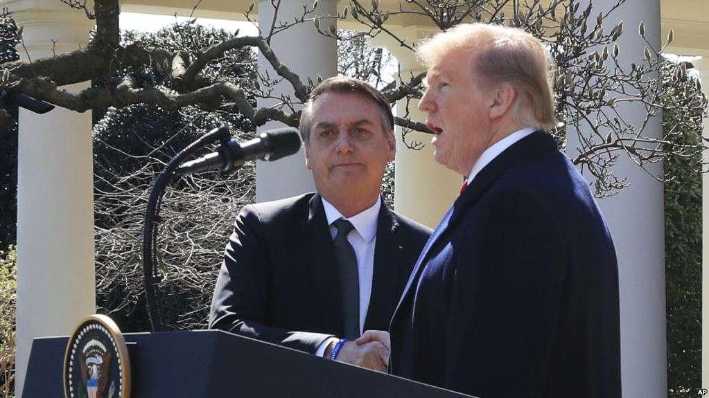 Conferencia de los presidentes en el Jardín de las Rosas de la Casa Blanca / AP