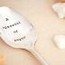 Πριν λουστείς, βάλε μία κουταλιά ζάχαρη στο σαμπουάν σου και θα μας θυμηθείς