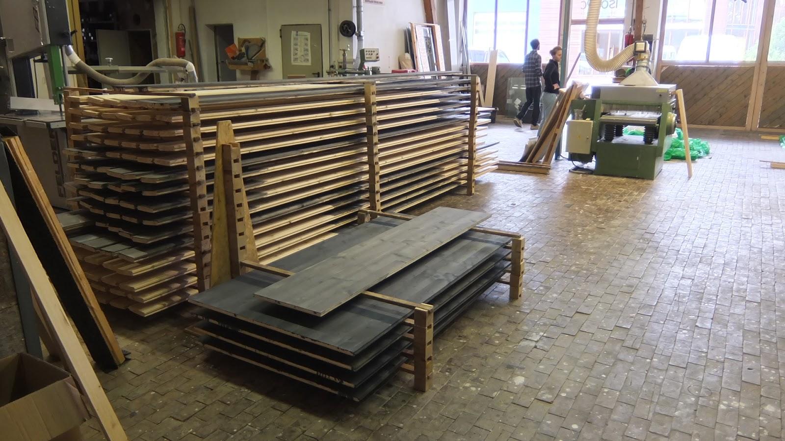 aua 39 s baublog und nochmal bretter und balken streichen. Black Bedroom Furniture Sets. Home Design Ideas
