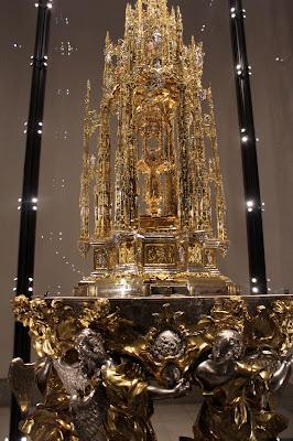 Custodia profesional en oro, plata y piedras preciosas