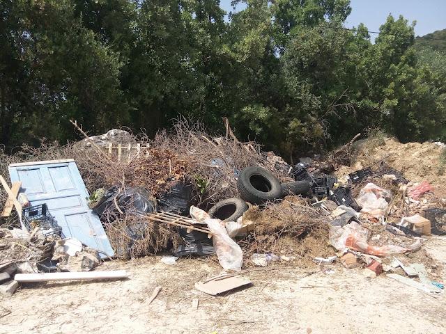 """""""Πρωτομαγιάτικα"""" σκουπίδια στα Σύβοτα (+ΦΩΤΟ)"""