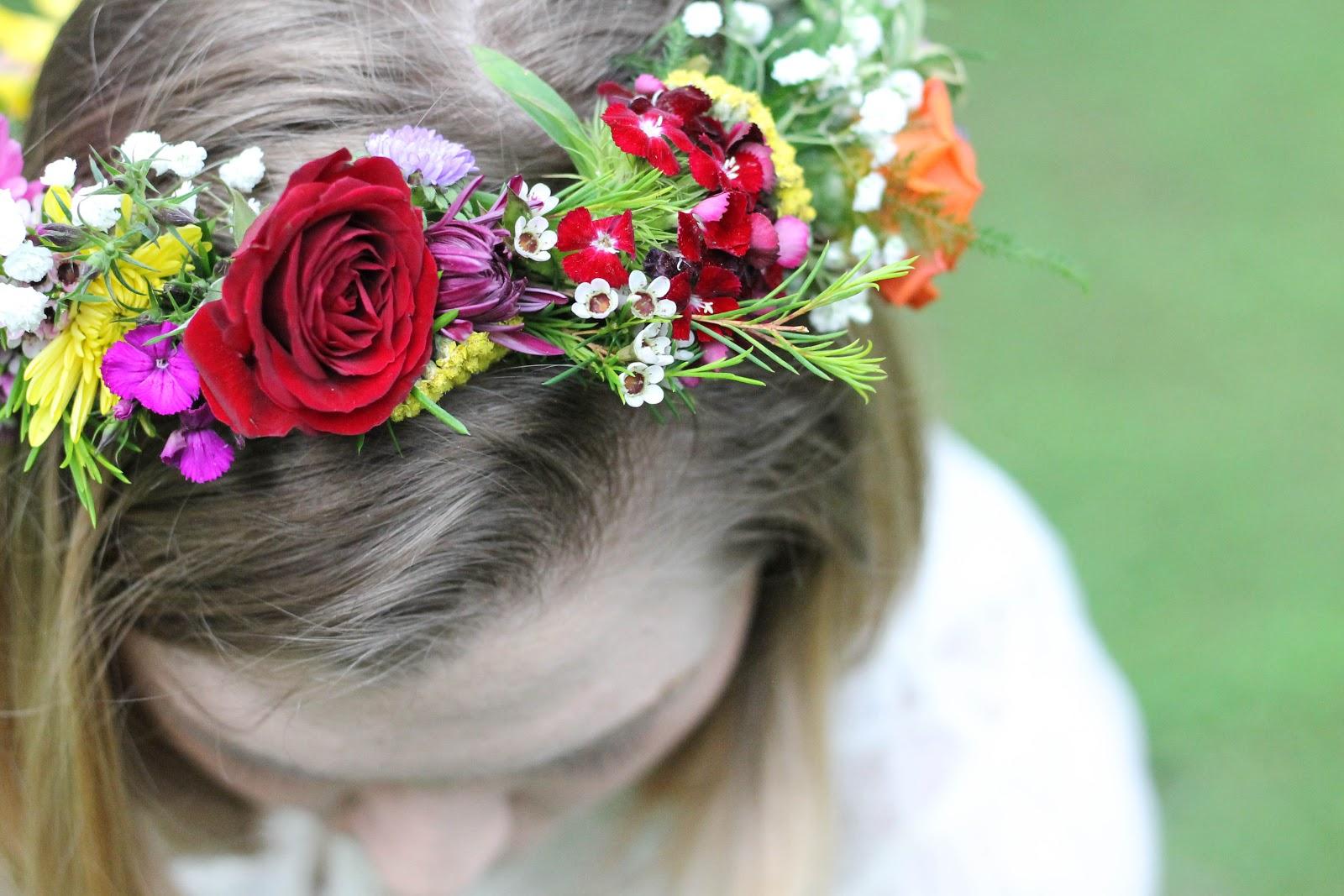 DIY Flower Crowns Minnie Muse