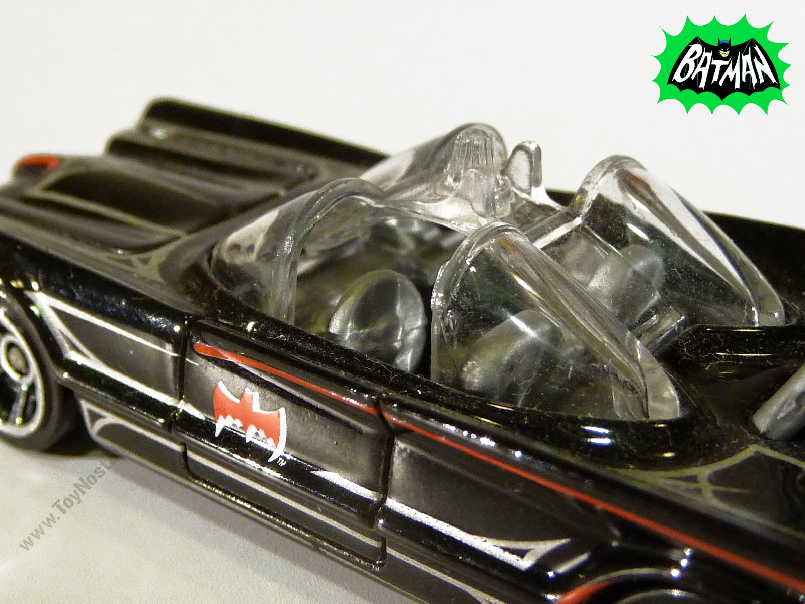 Hot Wheels Batman Batmobile 1966 TV Show 1:64 (2013)