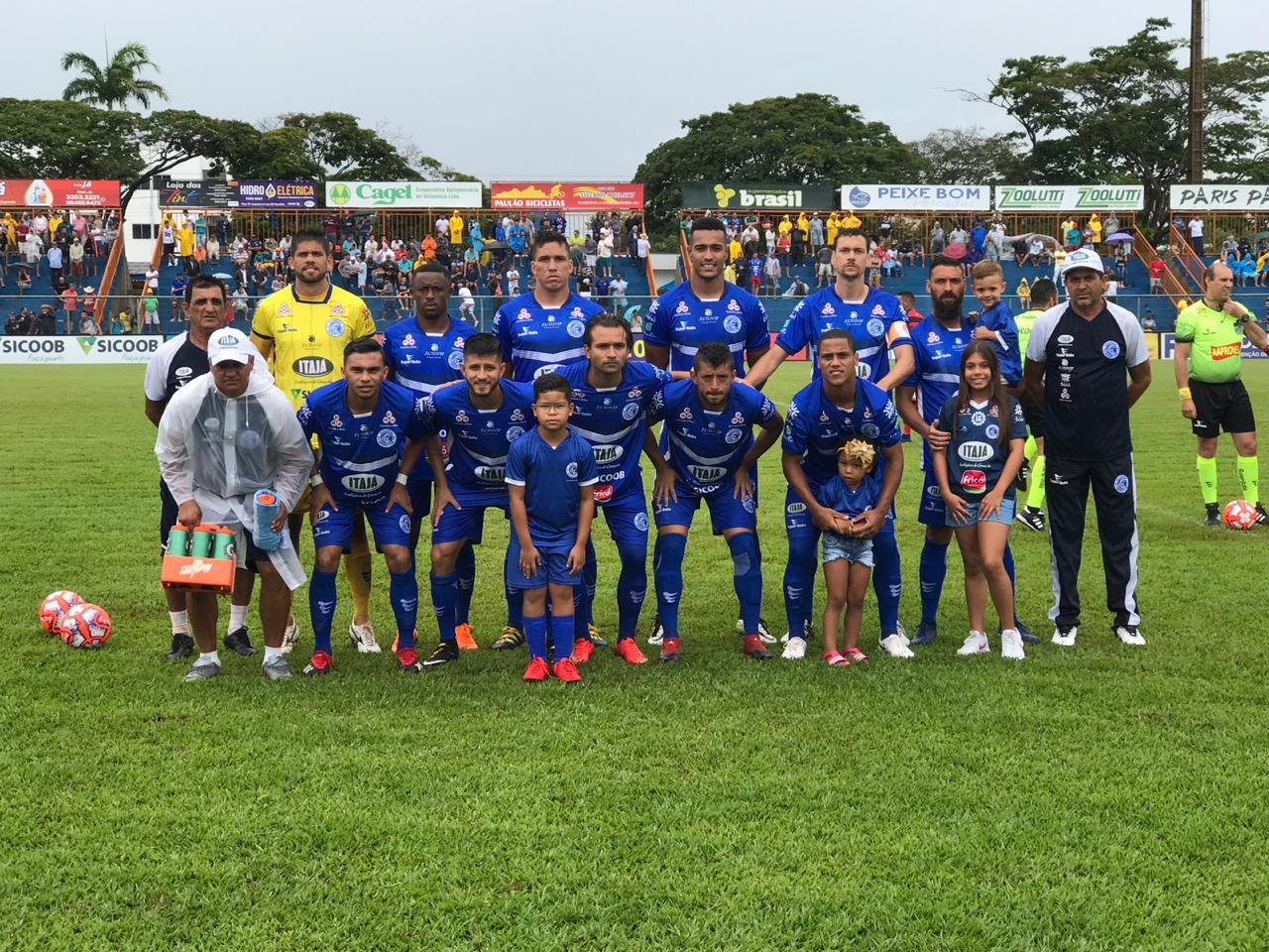 O Goianésia conquistou uma importante vitória na abertura do returno do  Campeonato Goiano 0051f0885c915