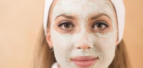 تحضير ماسك الدقيق لغلق مسام الوجه