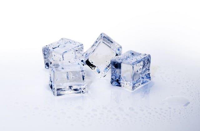 es batu untuk menghilangkan jerawat batu