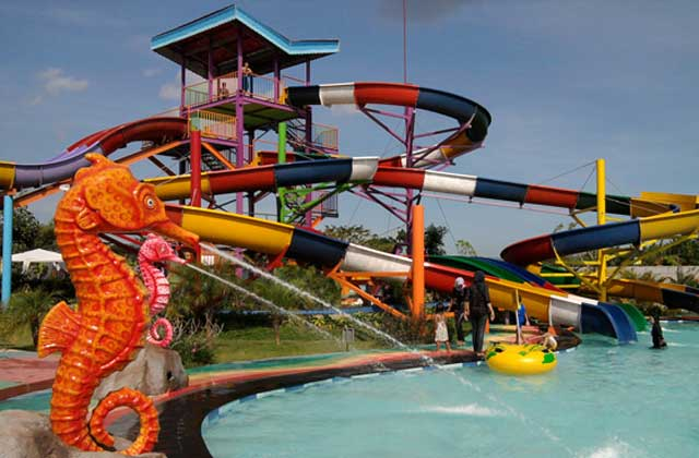 Grand Puri Waterpark waterboom bantul jogja