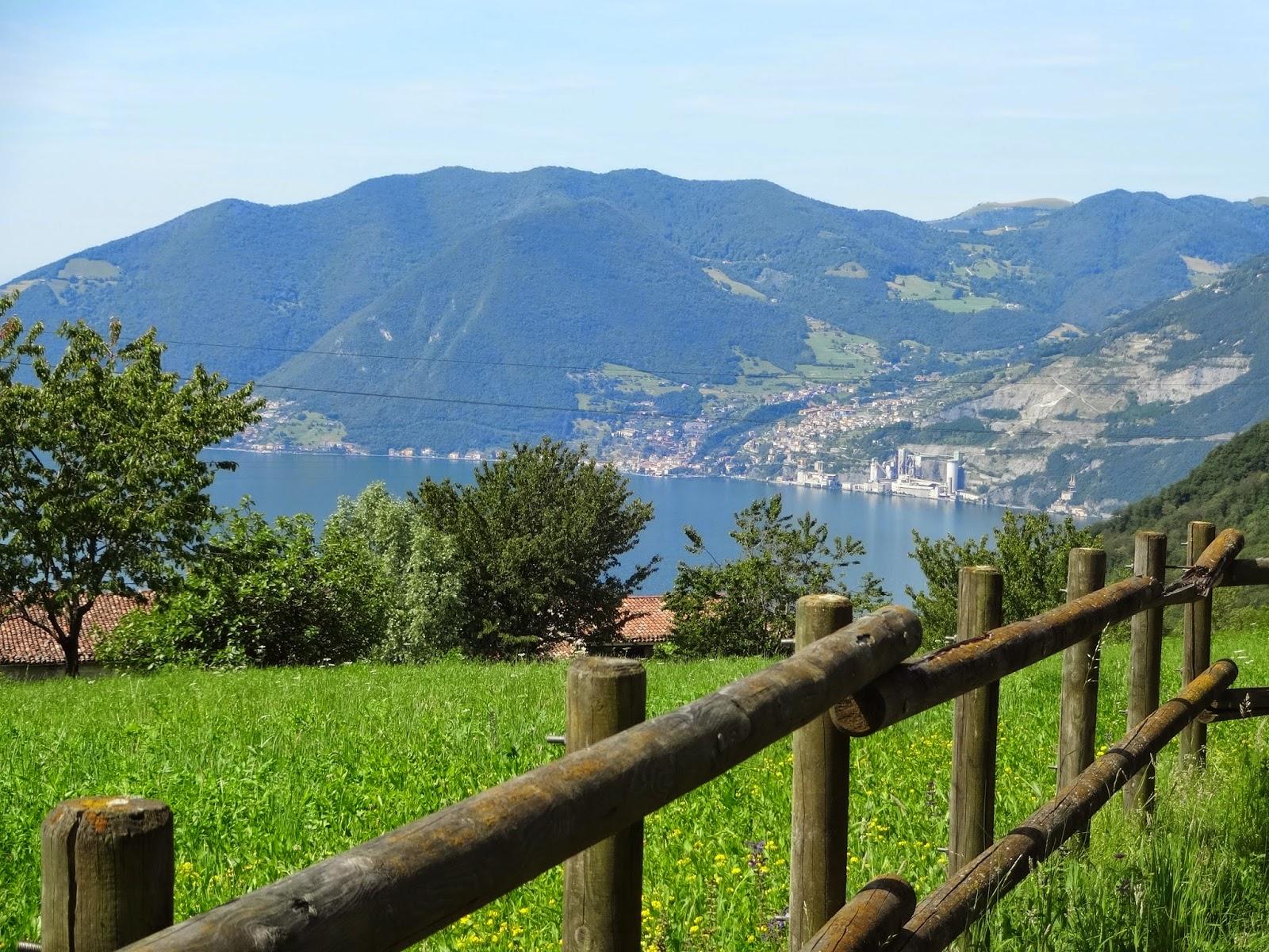 панорама озера в италии