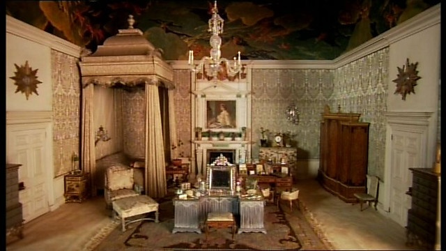 My Miniature World The Queen Mary S Dolls House The