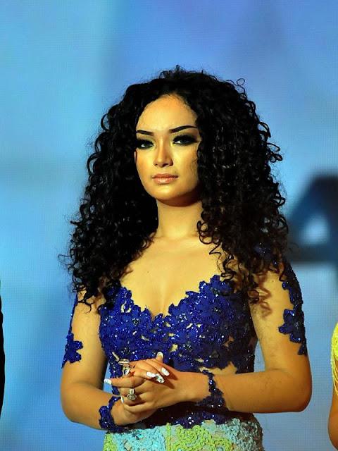 Model Kebaya Zaskia Gotik Untuk Fashion Show Terbaru