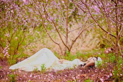 Em và mùa Xuân. Chùm thơ Xuân Phạm Ngọc Thái
