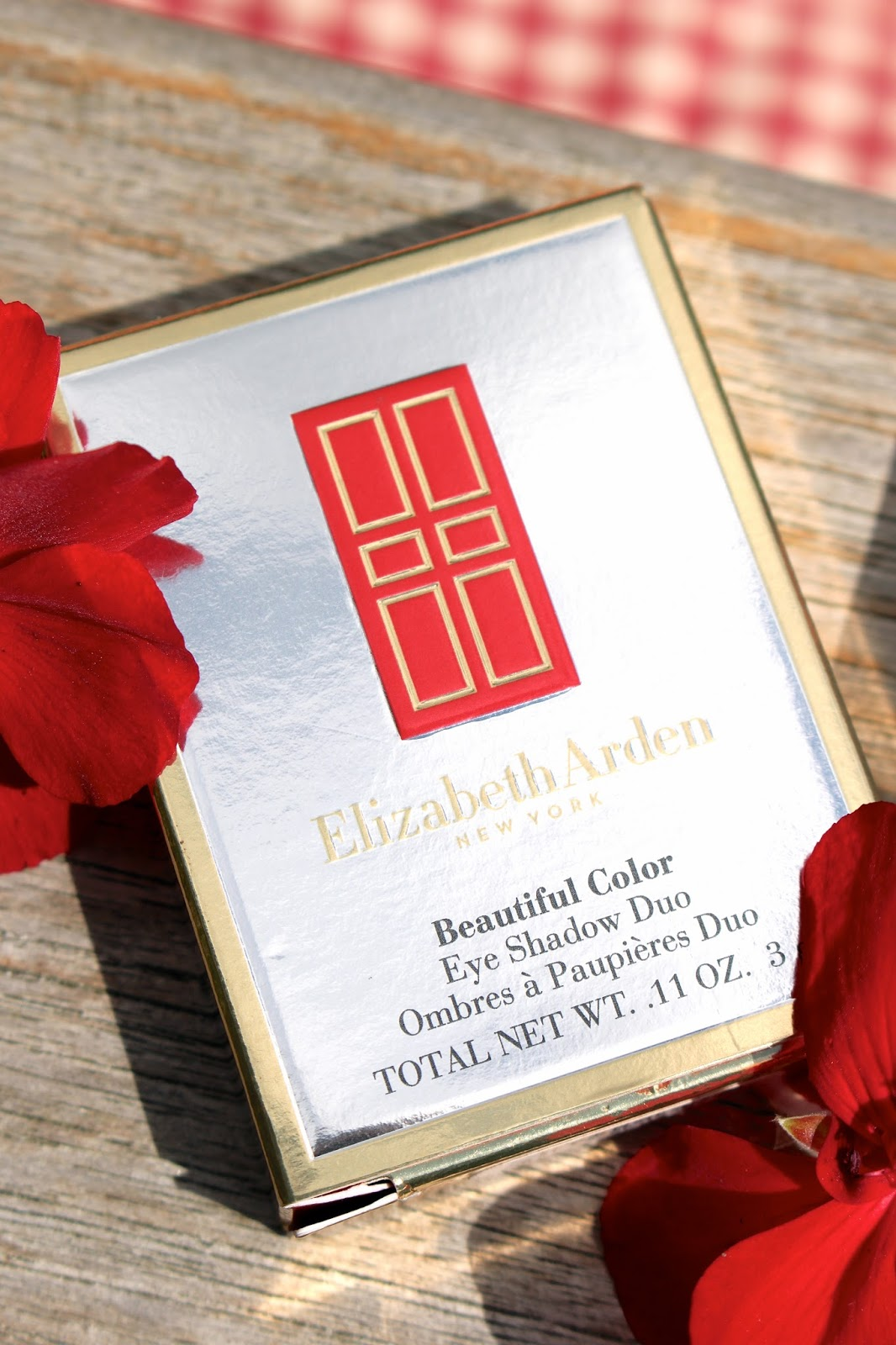 Blog giveaway 2016 elizabeth arden eyeshadow duo