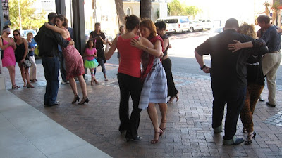 tango-flashmob-kloof-street-1