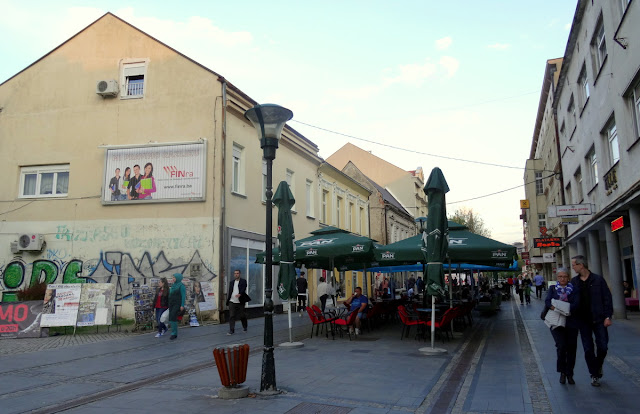 Outdoor cafe terraces - Tuzla Stari Grad (Old Town), Bosnia & Herzegovina
