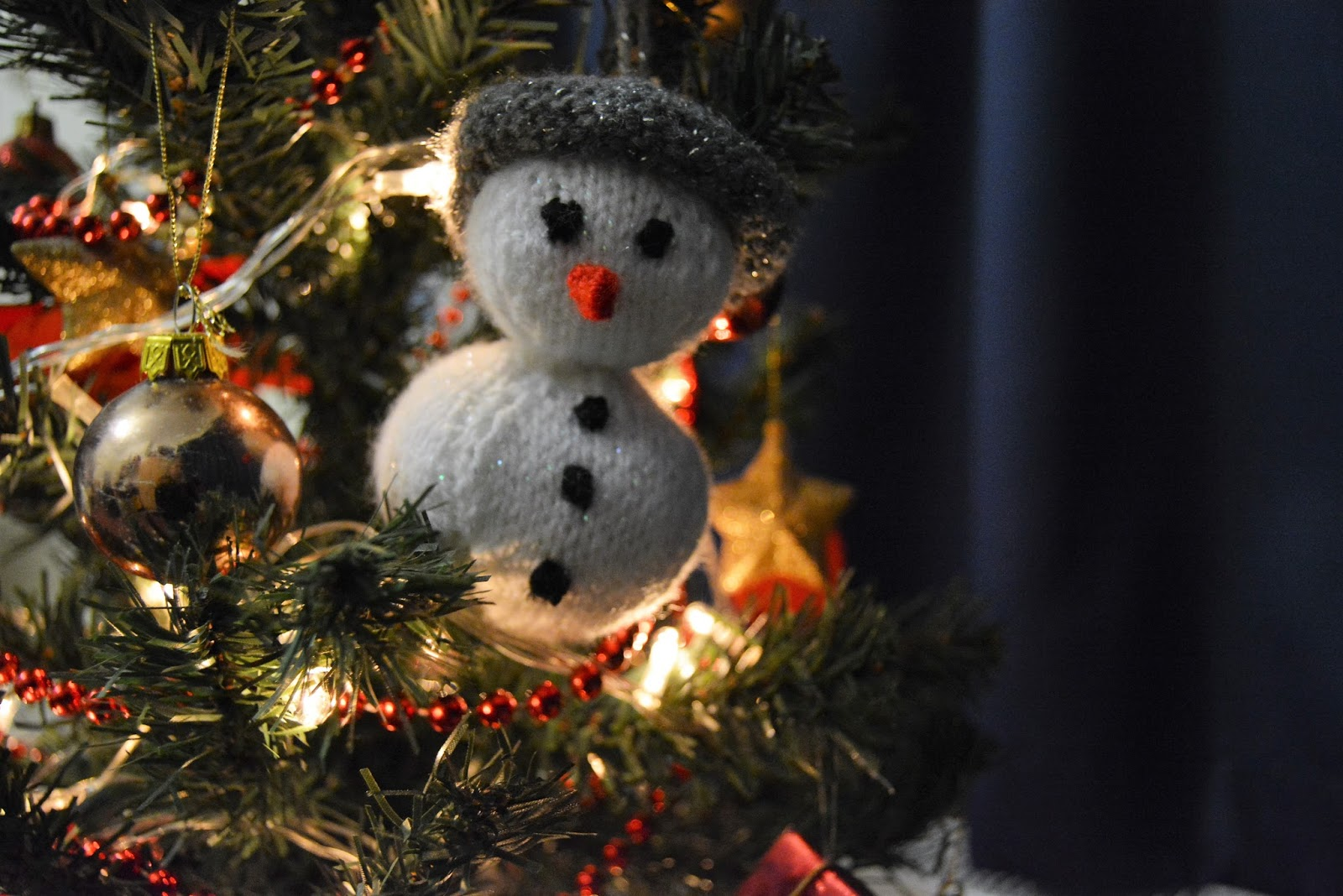 snowman, christmas, decoration, stocking filler, holidays, seasonal, december, fair, stalls, fundraising