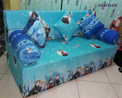 Sofa bed inoac motif kartun Frozen biru