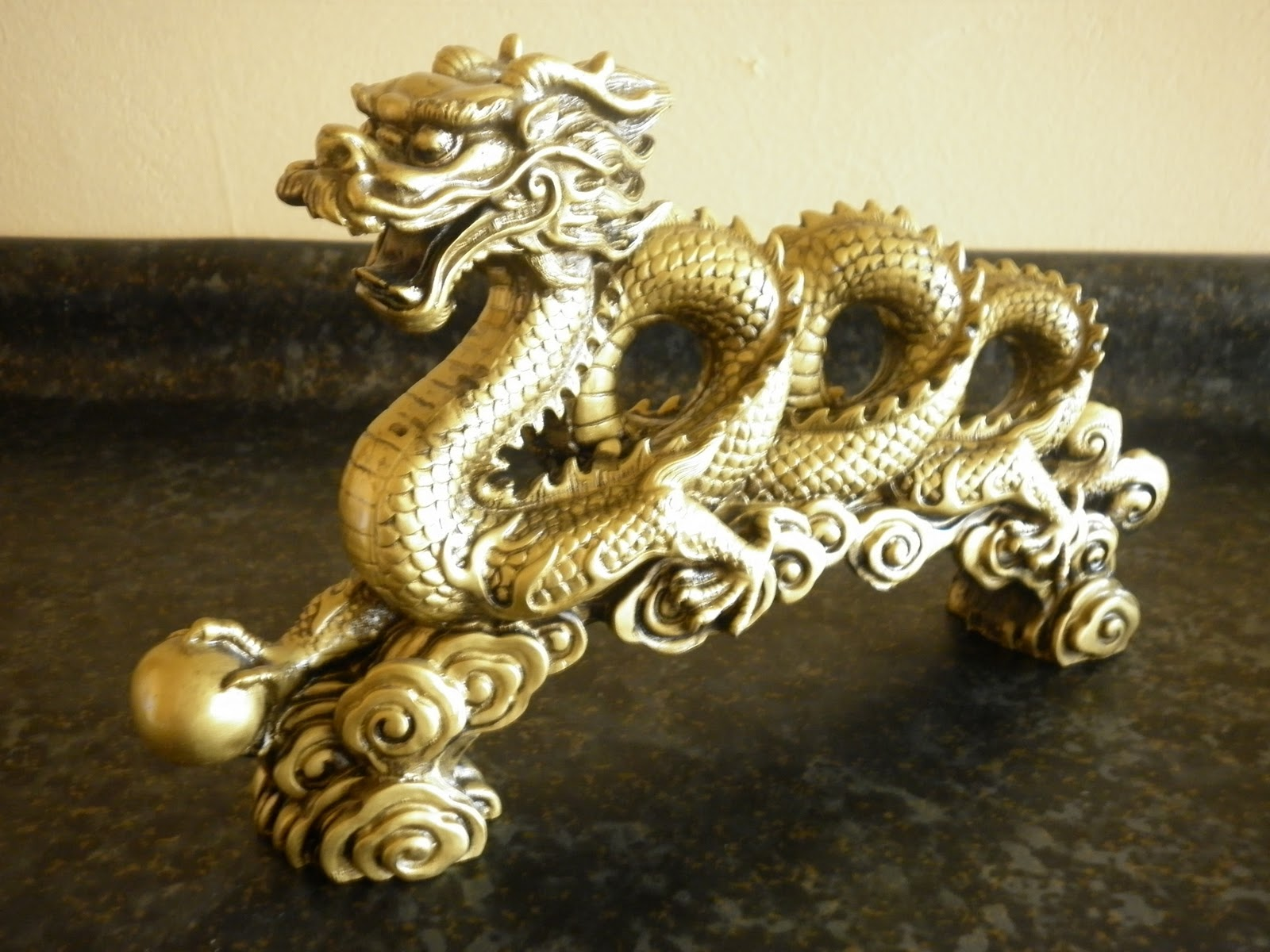 Crónicas De Mundos Ocultos Amuleto Para El Año Nuevo Chino El