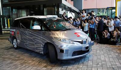 táxi com condução automática