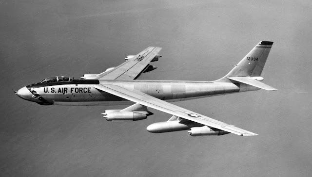 القاذفة ستروجيت من طراز B-47