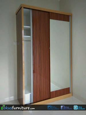 Lemari pakaian 2 pintu sliding dengan Lis aluminium
