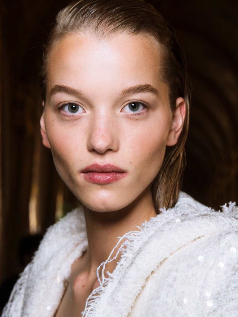 Perfekte Haut: die Tagescreme von The Lotus schafft das ganz ohne Make-up