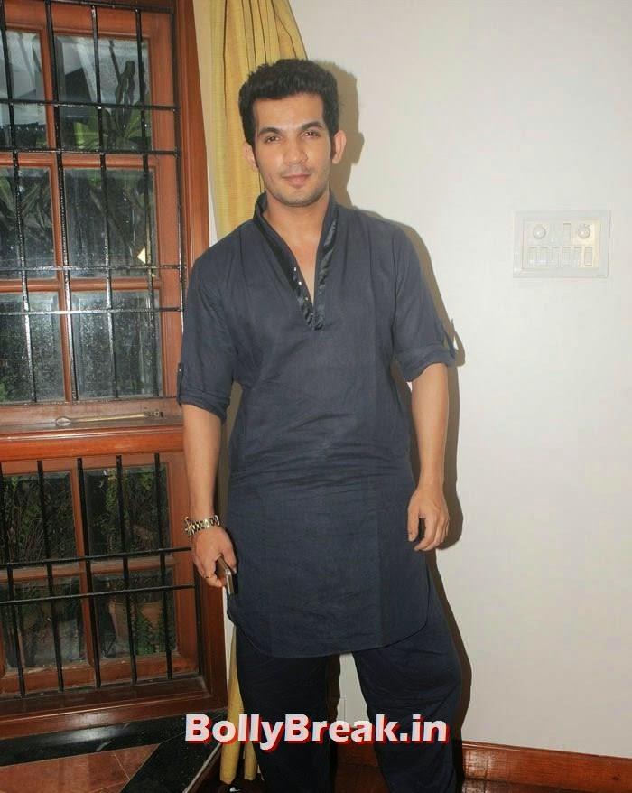 Arun Bijlani, Hot Photos from Rowdy Bangalore Team of Box cricket League