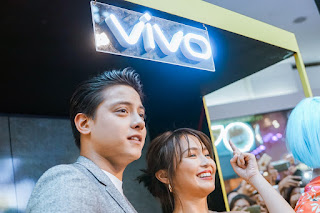 KathNiel thrills fans in their first Vivo V9 Mall Tour