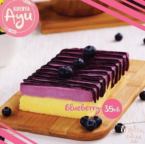 harga dan varian rasa kuenya ayu blueberry