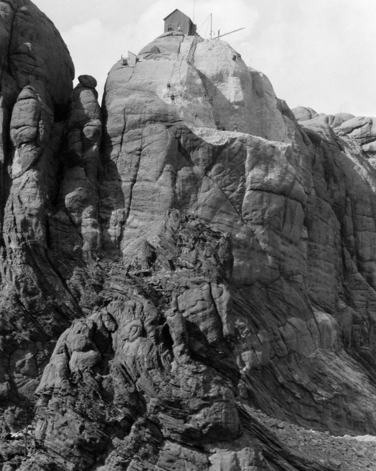 The sculptor and tribal representatives settled on Mount Rushmore, which also has the advantage of facing southeast for maximum sun exposure.