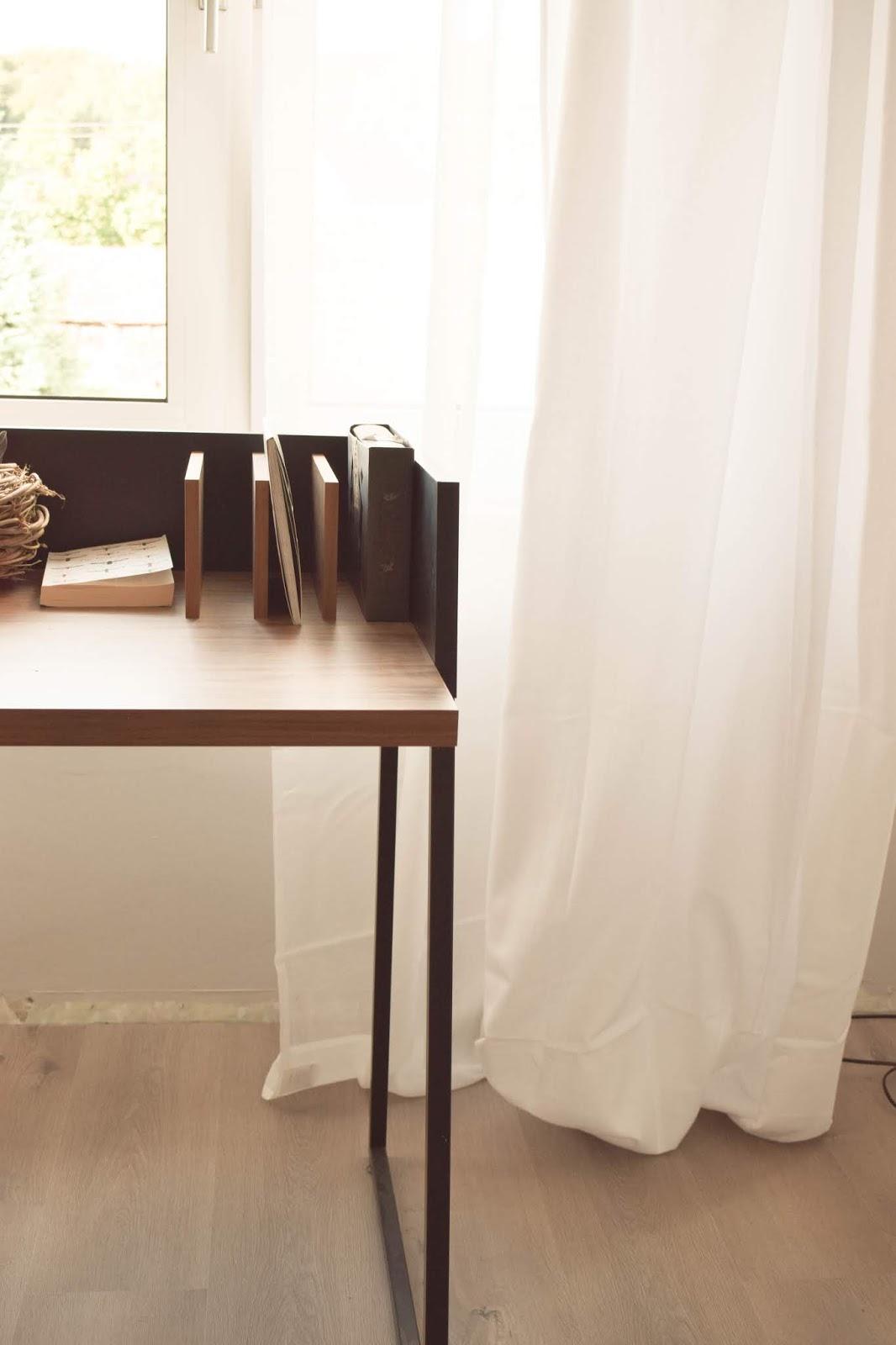 Interior Einrichtung Vorhang Schlafzimmer blickdicht Schreibtisch filigran Deko Dekoidee
