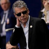 Chico Buarque diz que veio ao Senado 'para conhecer o Alvorada porque nunca mais terá oportunidade'
