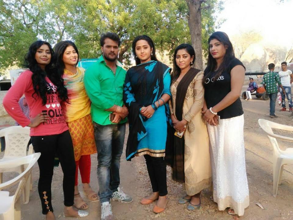 Kajal Raghwani and Khesari Lal Yadav Shooting stills of Bhojpuri Movie Main Sehra Bandh Ke Aaunga