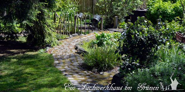 Gartenweg, Natursteine, Grosspflaster