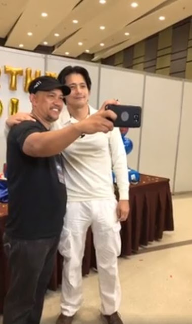 Angel Locsin Welcomed Robin Padilla With A Hug In The Surprise Birthday Celebration For The Action Star!