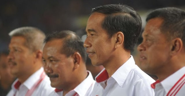 Presiden Jokowi kick off final Piala Bhayangkara 2016
