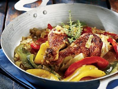 Καλοκαιρινό Κοτόπουλο Με Πιπεριές Και Μπίρα