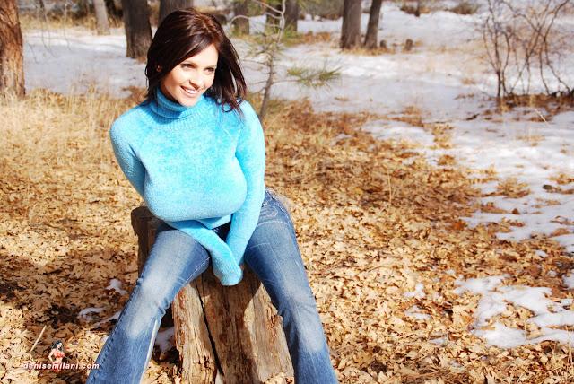 Gorgeous-Denise-Milani-Internet-Model-Big-Bear-Photoshoot-Picture-HD-9