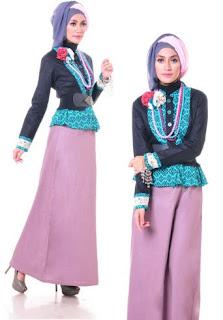 Baju kerja muslim elegan dengan kombinasi batik