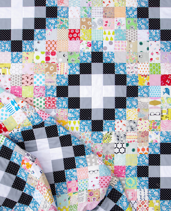 Memoire A Paris Irish Chain Quilt | Red Pepper Quilts 2016