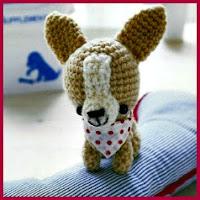 Chihuahua con pañuelo amigurumi