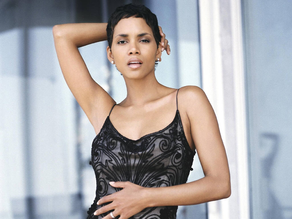 Halle Berry Hot Pictures, Photo Gallery  Wallpapers Hot -9271