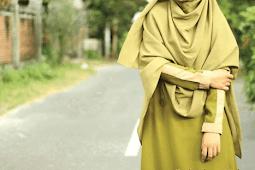 10 Manfaat Berpakaian Sesuai Syariat Islam & Penjelasannya