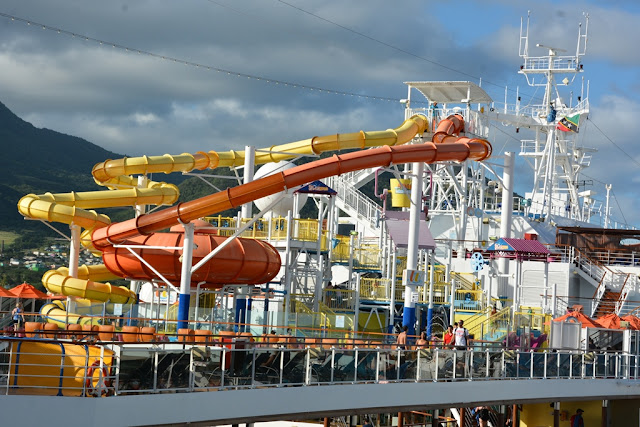 Carnival Breeze waterpark