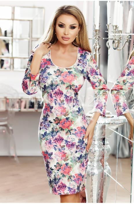 Rochie eleganta, cu imprimeuri florale, manecile trei sferturi, decolteul rotund, fermoar la spate, fabricata in Romania.