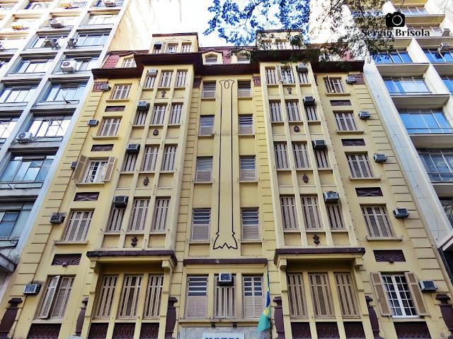 Vista ampla da fachada do antigo Hotel Itamarati - Centro -São Paulo