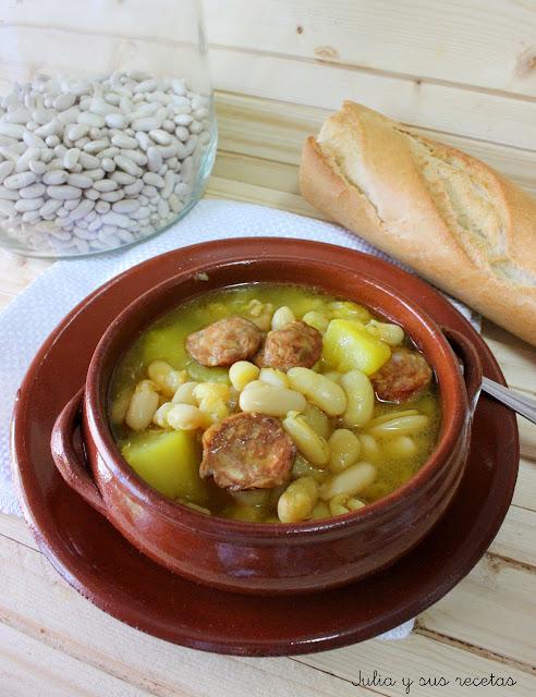 Julia y sus recetas jud as blancas con chorizo for Cocinar judias blancas